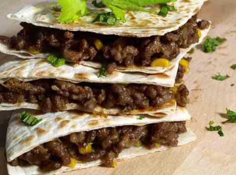 Quesadilla med kjøttdeig og mais oppskrift.