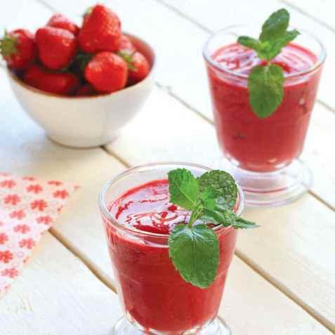 Jordbærsmoothie med sukrin oppskrift.