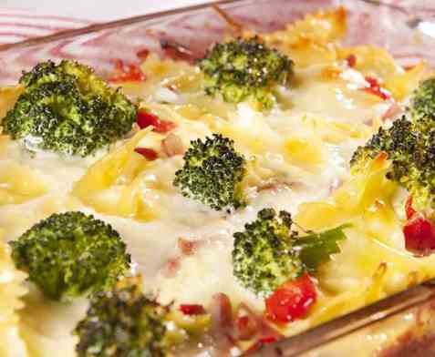 Brokkoli- og pastagrateng oppskrift.