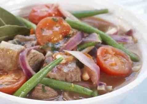 Gresk lammegryte med grønnsaker oppskrift.