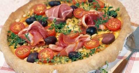 Ostepai med soltørket tomat og oliven oppskrift.
