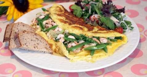 Omelett med reker oppskrift.