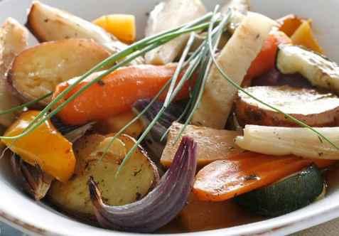 Bakte grønnsaker med timian og chili oppskrift.