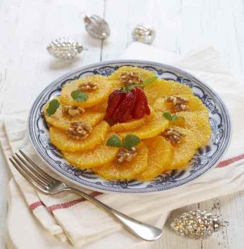 Appelsinsalat med valnøtter oppskrift.