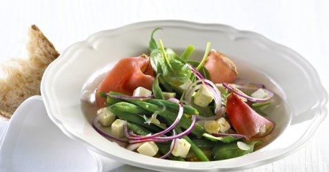 Spinatsalat med skinke og fetaost oppskrift.