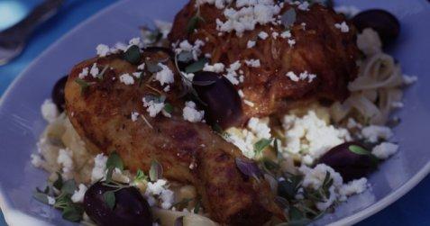 Gresk kylling med oliven og fetaost oppskrift.
