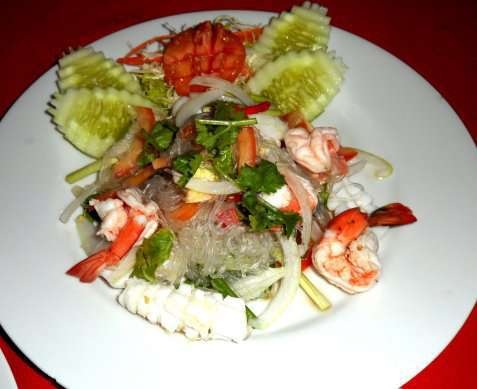Thai Seafood Salad (Yum Talay) oppskrift.