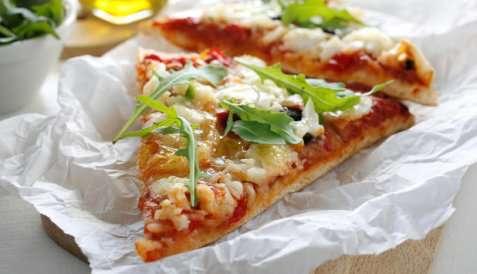 Pizza med klippfisk oppskrift.