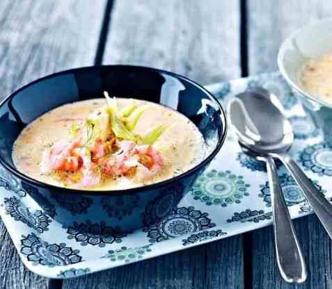 Torskesuppe med fennikel og reker oppskrift.