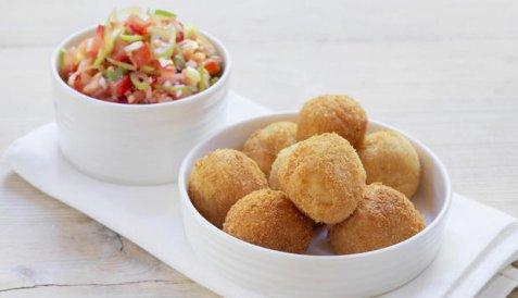 Klippfiskboller med salsa oppskrift.