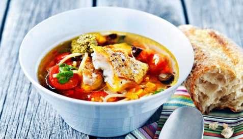 Fiskesuppe a la minestrone oppskrift.
