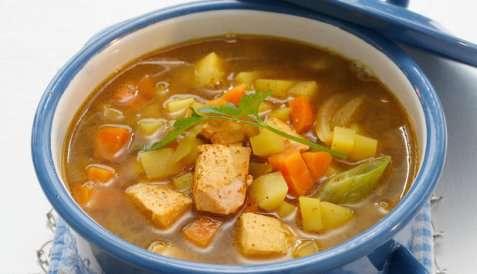 Laksesuppe med rotgrønnsaker oppskrift.