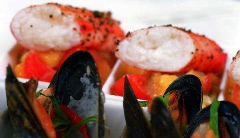 Kongekrabbe med blåskjell og salsa fresca oppskrift.