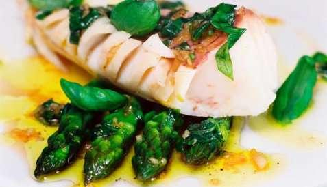 Bilde av Dampet isgalt med asparges.