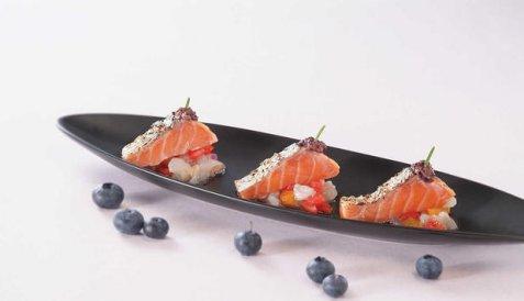 Marinert laks med blåbærpuré oppskrift.
