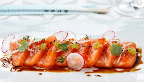 Sashimi med laks oppskrift.