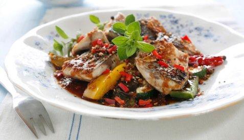 Makrell med grønnsaker oppskrift.
