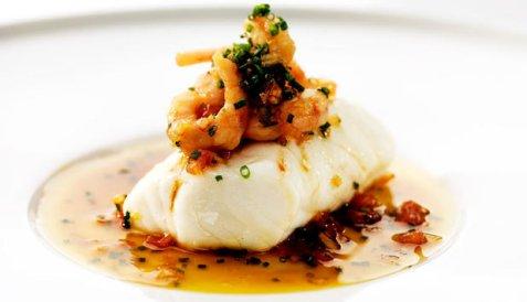 Ovnsbakt torsk med soyasmør og reker oppskrift.