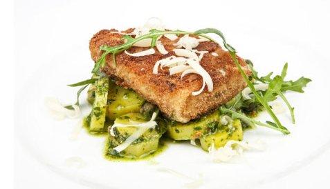 Panert seifilet med grønn potetsalat oppskrift.