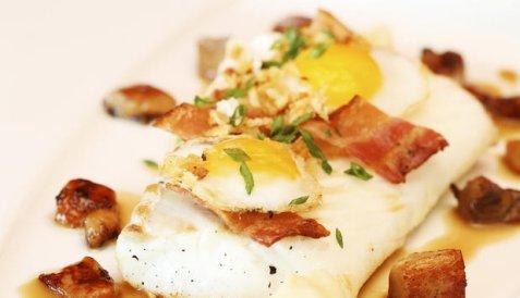 Ovnsbakt skrei med egg, bacon og sitronløkkrem oppskrift.