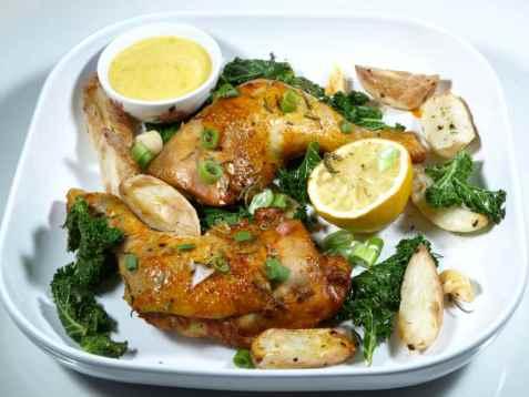 Sitron- og rosmarinbakte kyllinglår oppskrift.