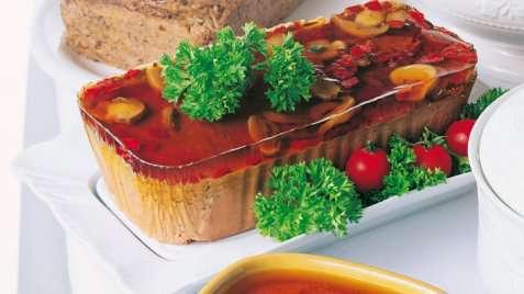 Reinsdyrpaté med einebær oppskrift.