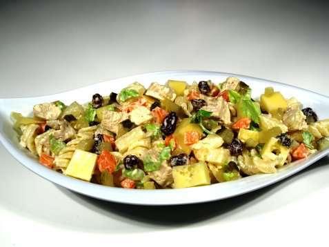 Kylling og makaroni salat oppskrift.