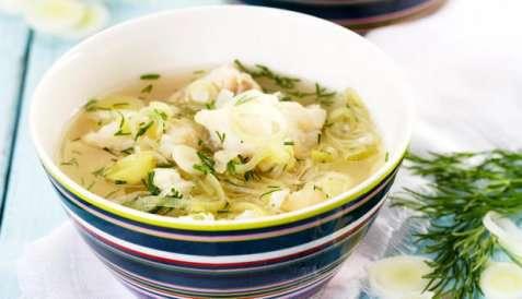 Fiskesuppe med hyse og purre oppskrift.