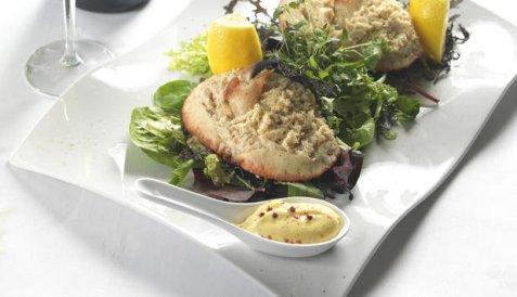 Fylte krabbeskall med kryddermajones oppskrift.