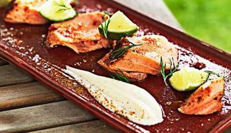Bilde av Kreolsk laks med limeyoghurt.