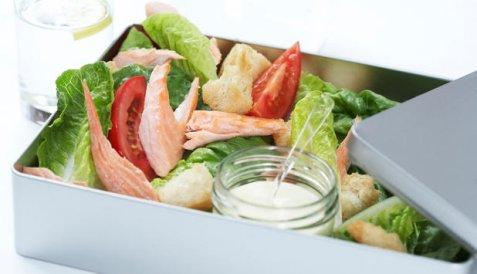 Bilde av Salat med laks.