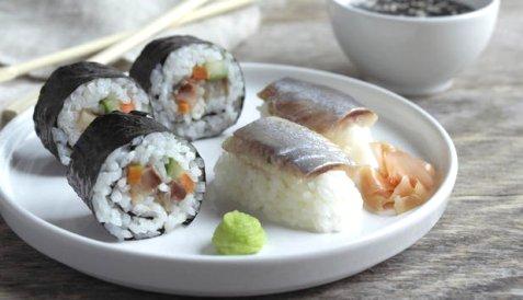 Sushi med matjessild oppskrift.