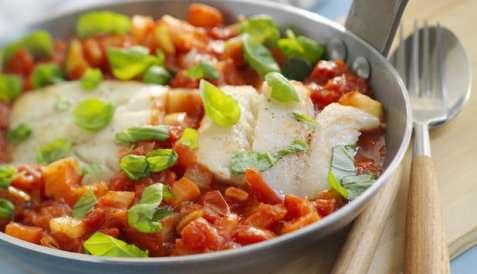 Tomatisert seigryte med grønnsaker oppskrift.