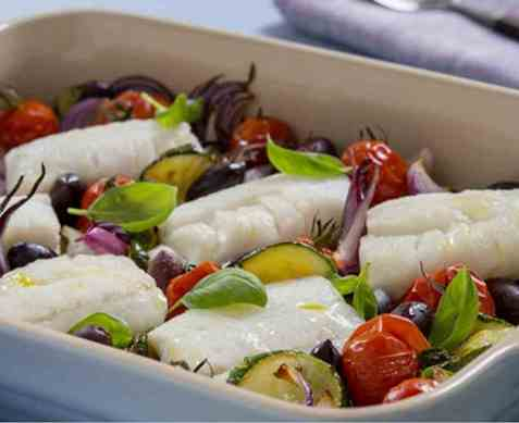 Ovnsbakt torsk med grønnsaker oppskrift.