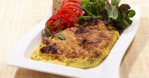 Omelett med ost til frokost oppskrift.