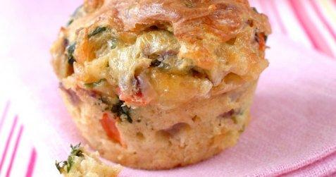 Muffins med ost og grønnsaker oppskrift.