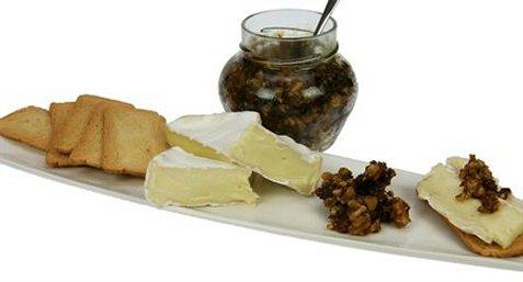 Ostetilbehør med fiken og nøtter oppskrift.