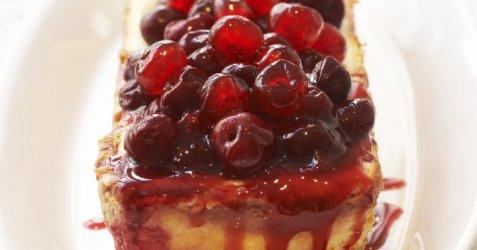 Ostekake med kirsebær oppskrift.