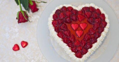 Hjertekake til valentine eller morsdag oppskrift.