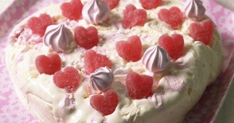 Enkel iskake i hjerteform oppskrift.