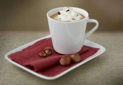 Bilde av Chiboust coffee cream with chopped hazelnuts.