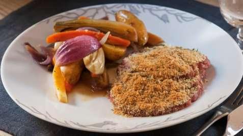 Bilde av Juleskinke med ovnsbakte rotgr�nnsaker.