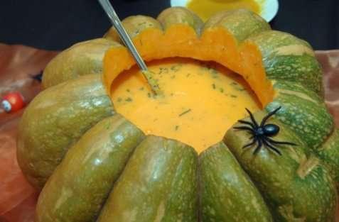 Gresskarsuppe med koriander oppskrift.