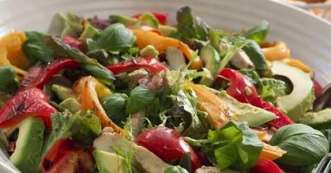 Bilde av Avocadosalat med kyllingbryst.