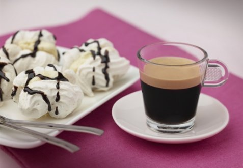 Meringues Vanilla, Chocolate and Arpeggio oppskrift.