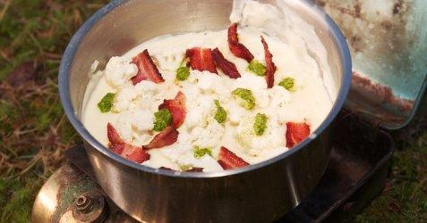 Blomkålsuppe med bacon oppskrift.