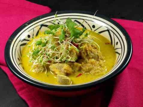 Indisk kyllingsuppe oppskrift.