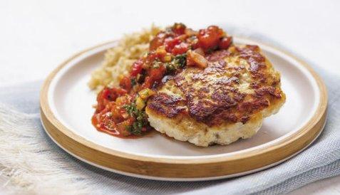 Bilde av Seiburger med tomatsalsa og ris.
