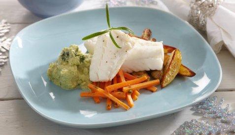 Bilde av Kokt torsk med brokkolikrem og glaserte gulr�tter.