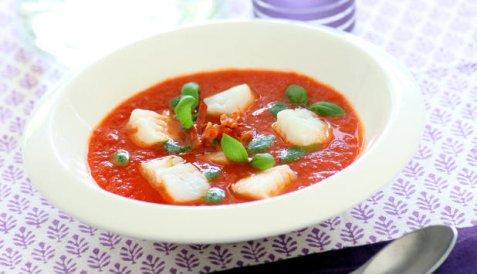 Tomatsuppe med skrei, parmesan og pepperoni oppskrift.